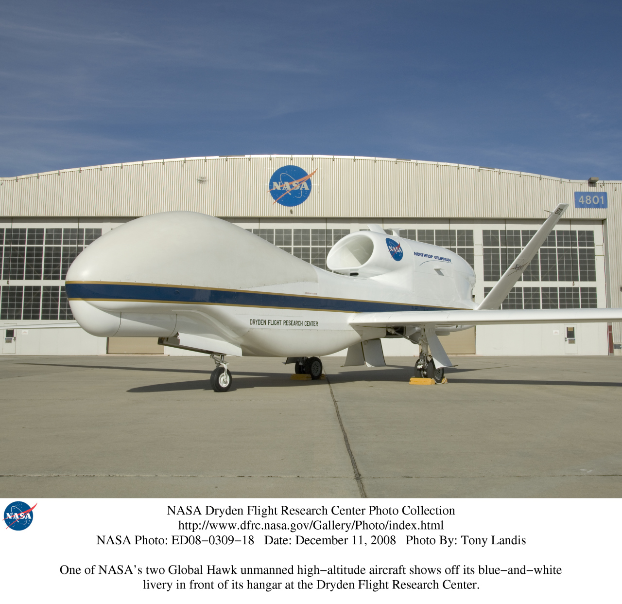 a nasa aircraft in hangar - photo #41