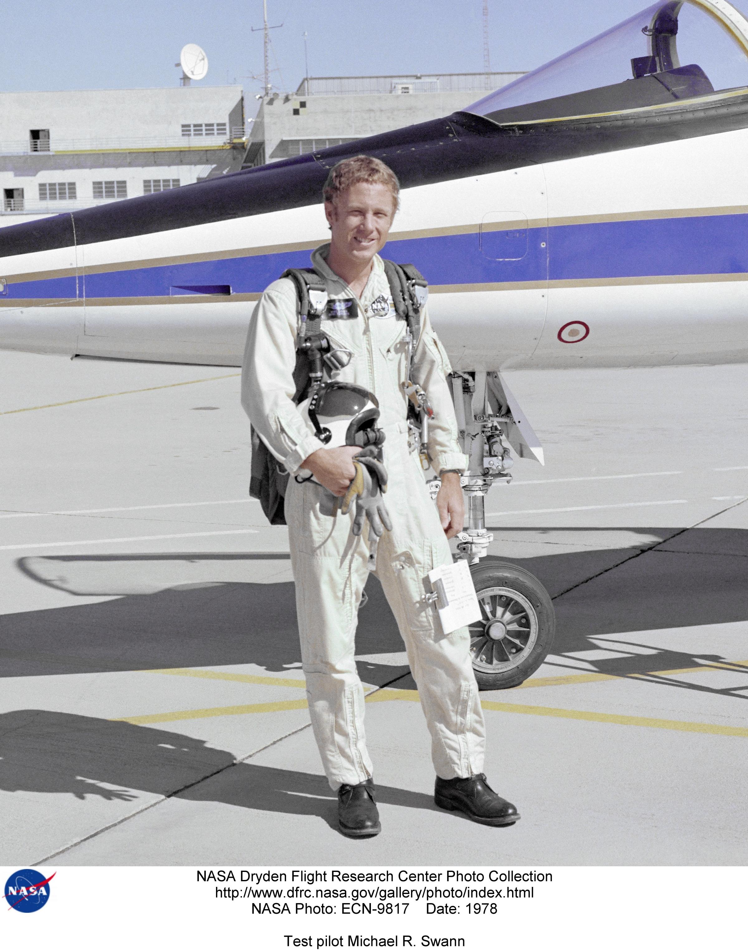Pilots ECN-9817: Test pilot Michael R. Swann