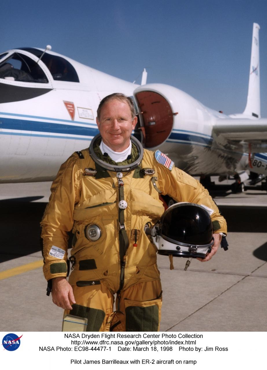 Pilots EC98-44477-1: Pilot James Barrilleaux with ER-2 ...