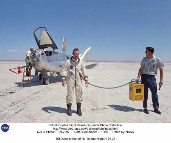 nasa test pilot suit - photo #35