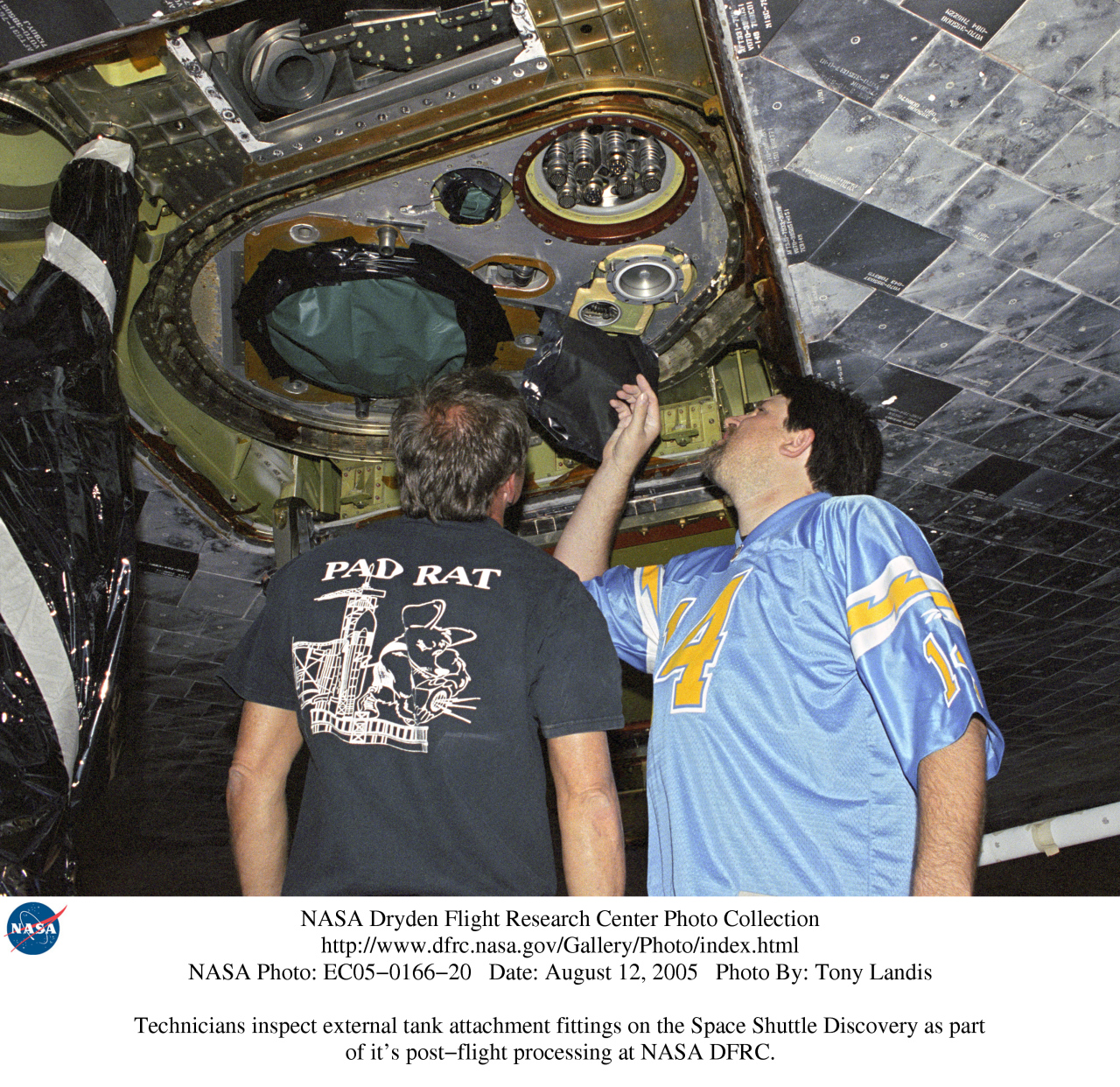 space shuttle umbilical connections - photo #11