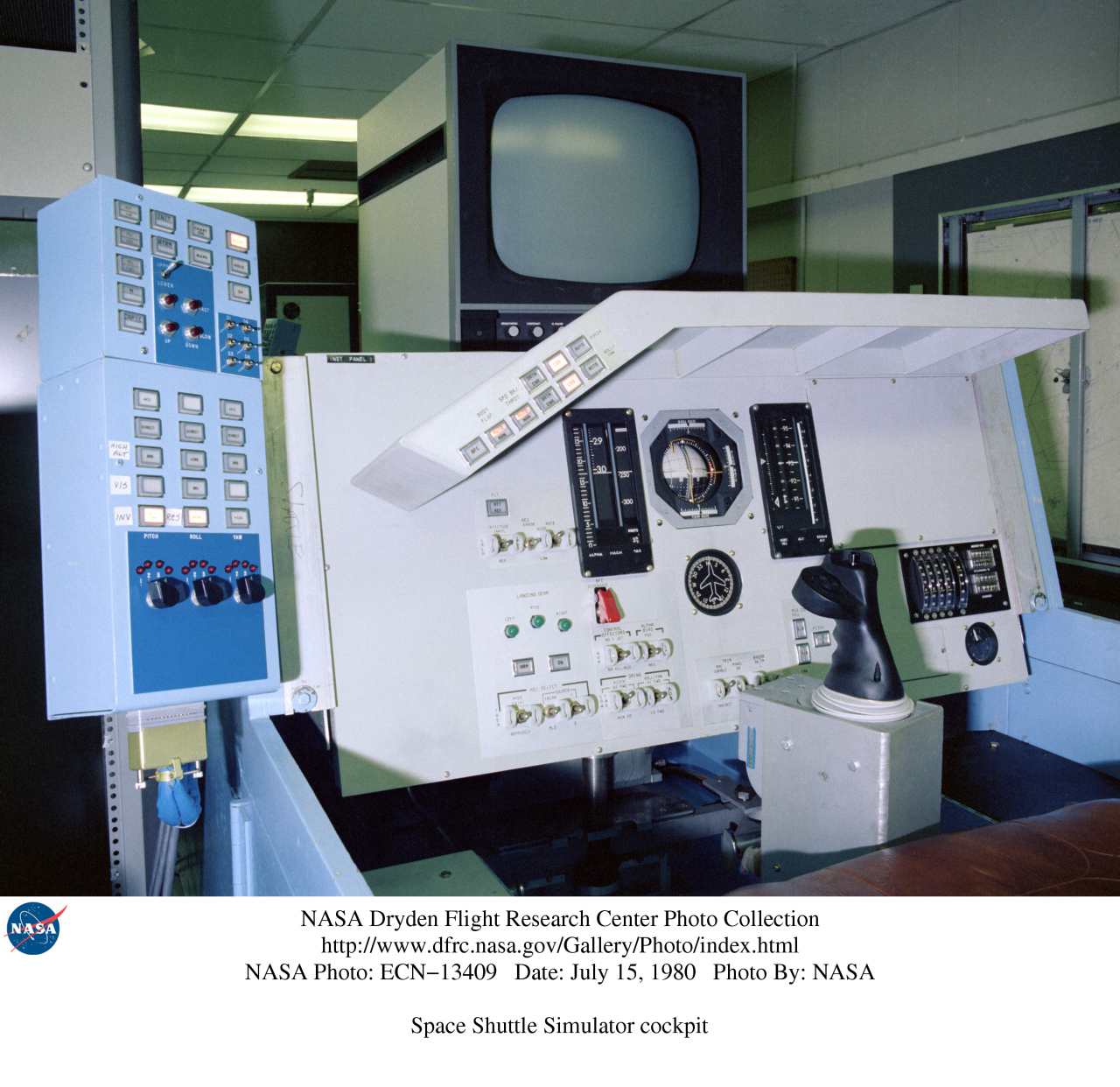 NASA Dryden Flight Simulator Photo Collection